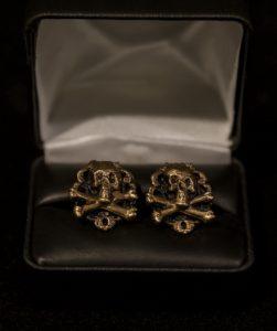 Skull & Bones Cufflinks Bronze